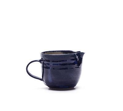 Milchkännchen mit blauer Glasur